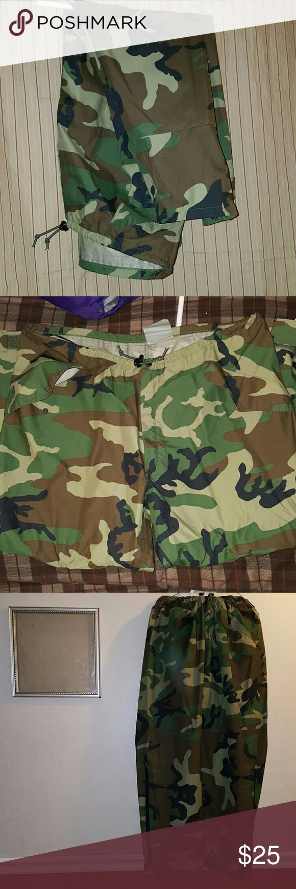 Men's Camo pants Good condition used once Pants