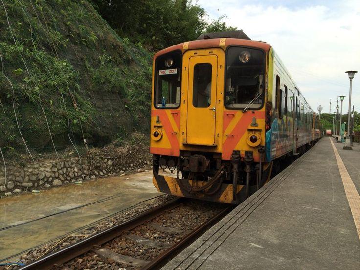 平渓線を走る電車