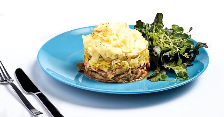 Réinventez le hachis parmentier – une sorte de pâté chinois français – en remplaçant le bœuf par du poulet. Utilisez un restant d'un plat de cuisses de poulet!