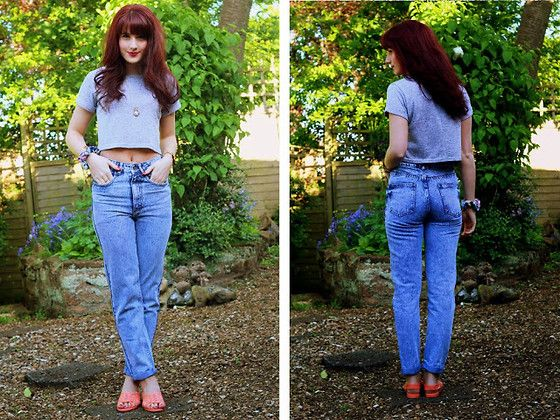 Ark Clothing Mom Jeans, Ark Clothing Crop Tee, Topshop Jelly Sandals, Kiss Like Daisy 90s Scrunchie