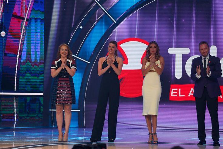 Preciosas y correctas los rostros femeninos más importantes de la TV criolla se presentaron en el teatro y otros puntos de la capital.