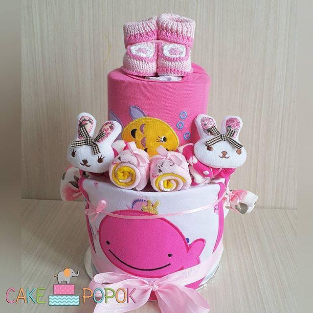 READY STOCK - Rp 215.000 KKRJ-006  Ingredients: - 1 sepatu rajut newborn - 2 jumper - 1 slabber - 1 psg kaos kaki boneka - 1 psg kaos kaki biasa - Mamy poko - Bisa dikasih print nama baby - Free greeting card - dibungkus tile cantik  WA: 087877252600 Line: @cakepopok (pakai @ ya)  #hadiahbayi #hadiahbayimurah #kadolucu #parcelbaby #parselbayi #parcelbayi #kadobayimurah #hadiahnewborn #kadonewborn #diapercake #cakepopok #jualbabyhampers #kadosebulanan #jualkadobayi #jualhadiahbayi…