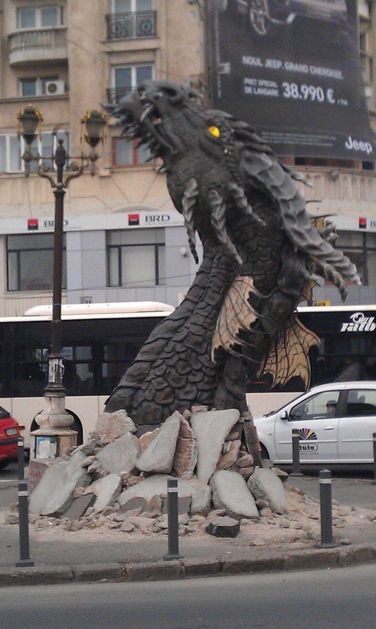 Bucharest, The Hobbit [street marketing] 'Always speak politely to an enraged dragon!' : Steven Brust : 'Jhereg'
