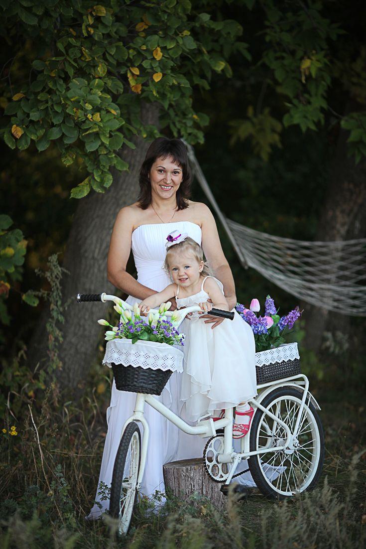 Декорации для фотосъемки -  белоснежный велосипед с корзинками украсит  ваше мероприятие. Если вы ищете велосипед для свадебной фотосесии, съемок love-story, этот велосипед, безусловно, вам подойдет #свадебныйвелосипед#photos #photograph #photochallenge #photoftheday #photoaday  #photoday #pic #фотосессия #фотограф #фотография #фотосет #фотодня #фотка #фоткисвелосипедом