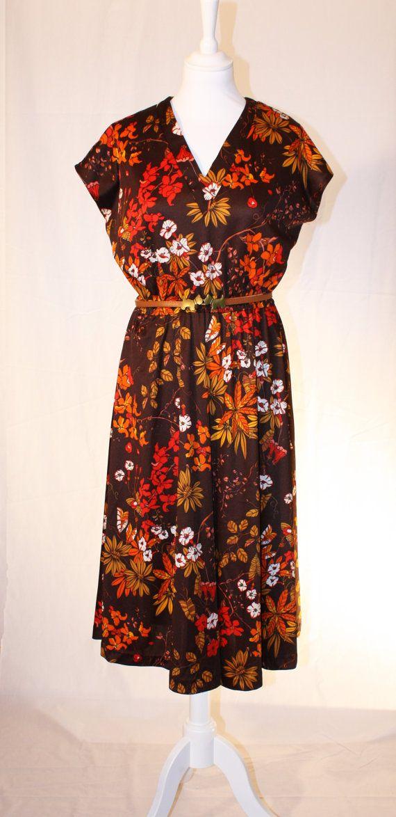 Brown vintage flower print dress by RoxygoesRetro on Etsy, €35.00