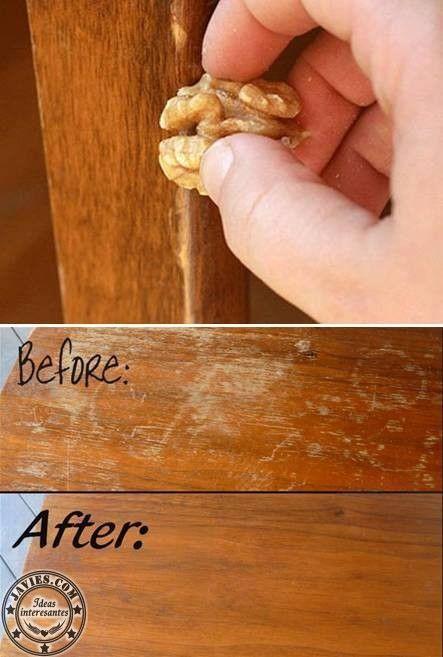 Los frutos secos, sobre todo las nueces, son capaces de cubrir arañazos y pequeños desperfectos de la madera que se forman con el paso del tiempo. Simplemente frote la madera para absorber el aceite de la nuez. Vota este articulo Comparte / Share : También en esta pagina :Reparar golpes en los mueblesComo hacer un ... ver más >>>