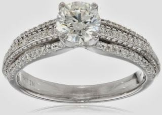 IGI Certified 18k White Gold .90 carat Round-Cut Center Diamond Bridal Ring