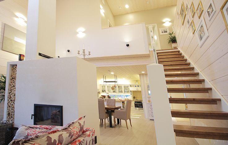 Wall lights add ambience to your decor. Seinävalot tuovat tunnelmaa sisustukseen.