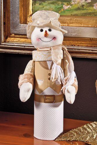 Muñecos de nieve elaborados con material reciclado