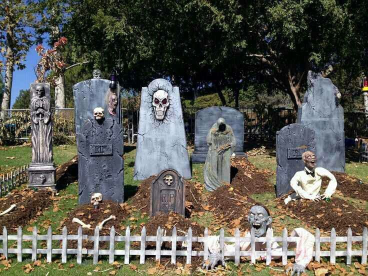 Halloween Graveyard: I want to do a graveyard in my front yard this  halloween ;