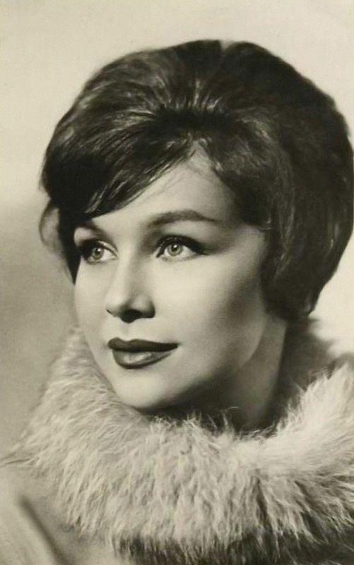 Надписью кто, самые красивые актрисы советского кино фото и фамилии