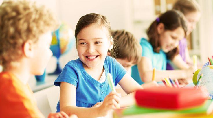 学校ではみんな国語・算数・理科・社会など、各科目ごとに授業を受けたものですよね。でも、教育水準の高さで知られている北欧では、そんな科目ごとの授業には重きを置いていないのだとか…。じゃあどんな授業やってるの?と思ってしまいますが、どうやら大切なのは総合学習にあるようです。科目ごとの授業はナシ!ストーリー仕立ての課題で実生活に役立つ勉強法を海外メディア「QUARTZ」によれば、ノルウェー・オスロ...
