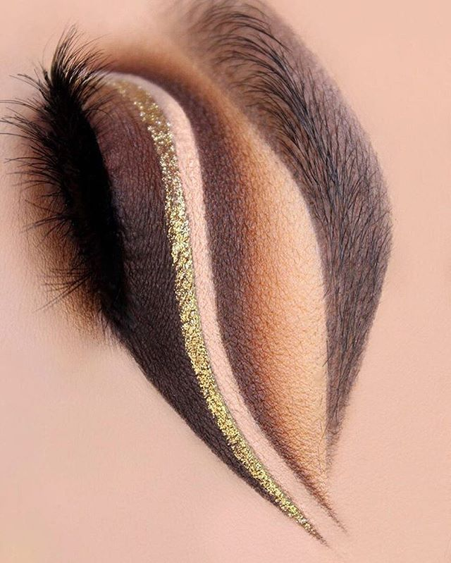 Just look at this perfection  @glambysarai applies our Liquid Crystal Liner in…