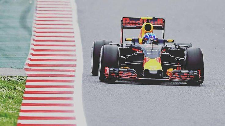 Great #F1 qualifying session at the Spanish Grand Prix circuit. Well done to the Red Bull team too with P3 and P4. #F1 #Ferrari #ScuderiaFerrari #RedBullRacing #RedBull #McLarenHonda #RenaultF1 #ToroRosso #MercedesAMGF1 #SebastianVettel #Vettel #MaxVerstappen #FernandoAlonso #LewisHamilton #Hamilton #TeamLH #NicoRosberg #JensonButton
