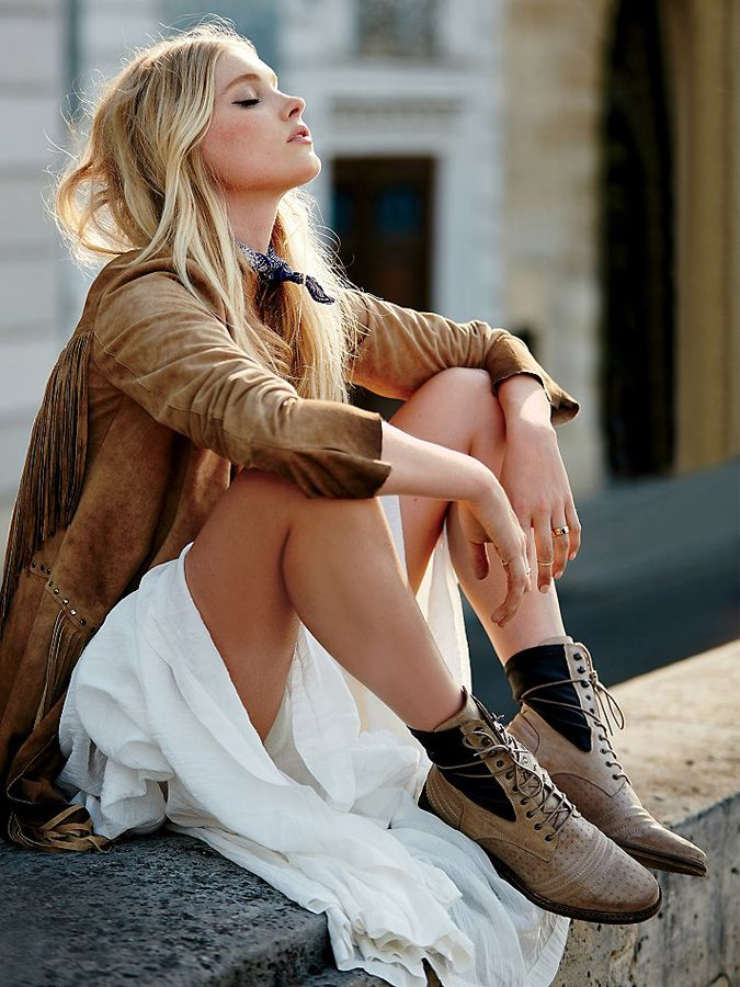 Boho Outfit w/ Laced Boots - #FallFashion