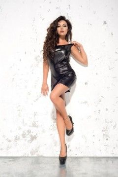 LOTTE sukienka mini - Seksowana i elegancka minisukienka z kolekcji Dark Chamber, która kusząco podkreśla piękne plecy poprzez dodany dekoracyjny element