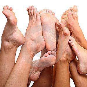 Receita caseira para hidratar e esfoliar os pés Esfoliação: misture uma colher…