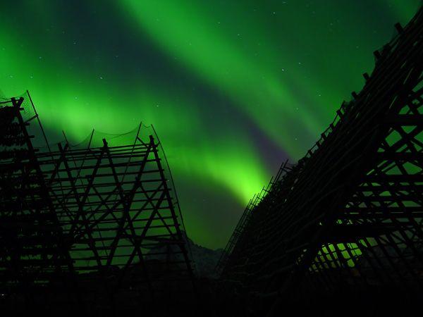 http://elpachinko.com/viajes-noruega/donde-ver-auroras-boreales-noruega/  10 lugares de Noruega donde me encantaría ver las auroras boreales