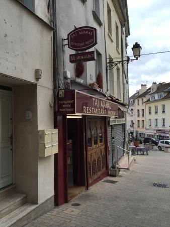 PONTOISE : Taj Mahal, restaurant indien tres bien noté.  10 Rue de la Pierre Aux Poissons   95300 Pontoise, Pontoise, Cergy-Pontoise, France