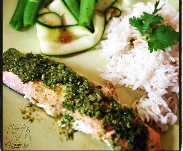Recipe Asian style salmon with Coriander Cashew Pesto & Coconut Rice by Miss Fauxmomix - Recipe of category Main dishes - fish