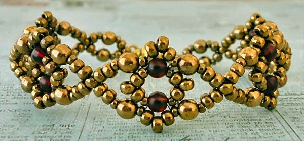 Linda's Crafty Inspirations: Bracelet of the Day: Losange Bracelet