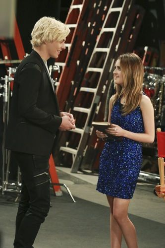 Austin Moon Is Dawson Ally Hookup