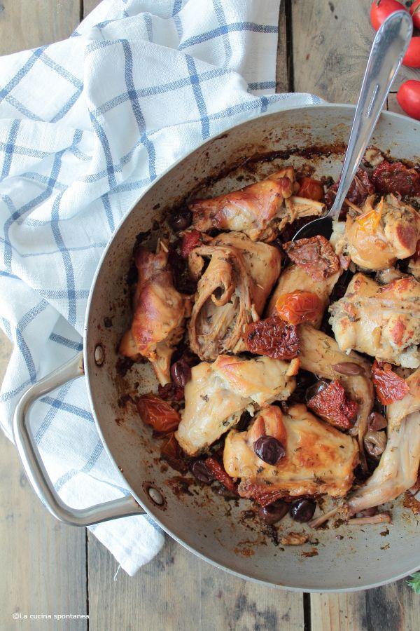 La cucina spontanea - ricette, fotografie e parole.: Coniglio con pomodori e olive taggiasche