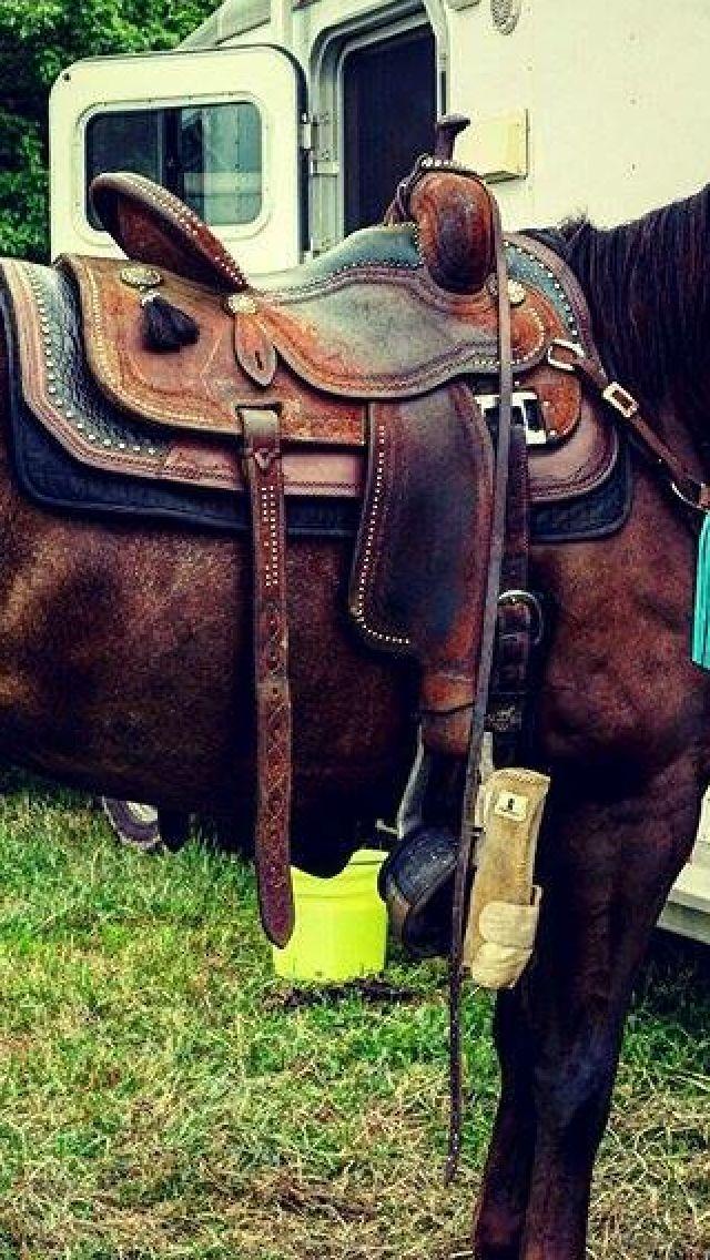 Martin Barrel saddle with a Wade saddle pad :)