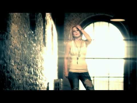 Kellie Pickler - Tough..... theres nothin hotter than a girl in ripped up jeans and a white tank top
