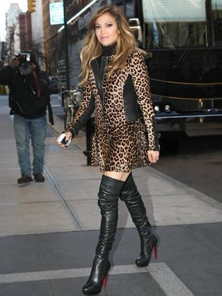Jennifer Lopez, 43 ans, toujours aussi sexy !