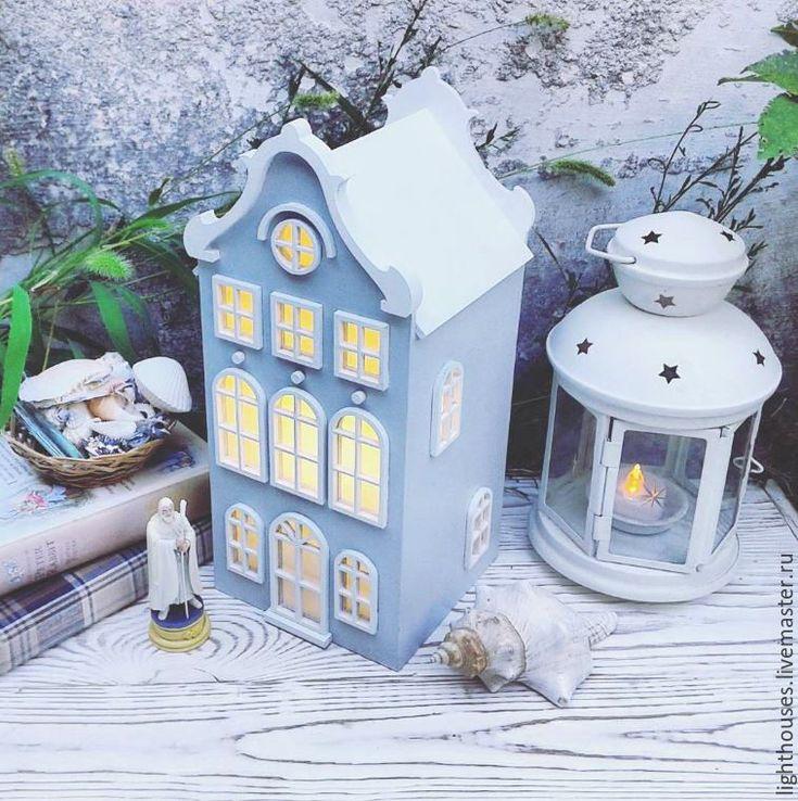 Купить White. Светильник-домик светло-cерого цвета с белой крышей. Ночник. - серый, голубой