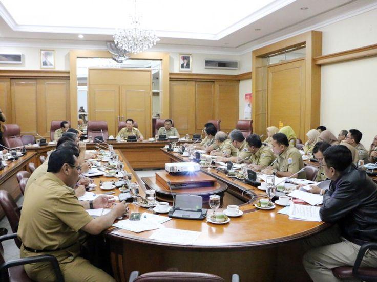 Suasana di dalam ruang rapat pimpinan Balai Kota Jakarta
