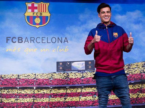 Maillot Barcelone pas cher-Coutinho nommé dans l'équipe de Barcelone, remis 14 chemise de Cruyff