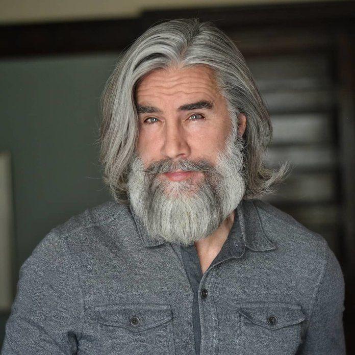 36 Coiffures Homme de 50 ans pour 2020 en 2020 | Coiffure homme 50 ans, Cheveux courts barbe ...