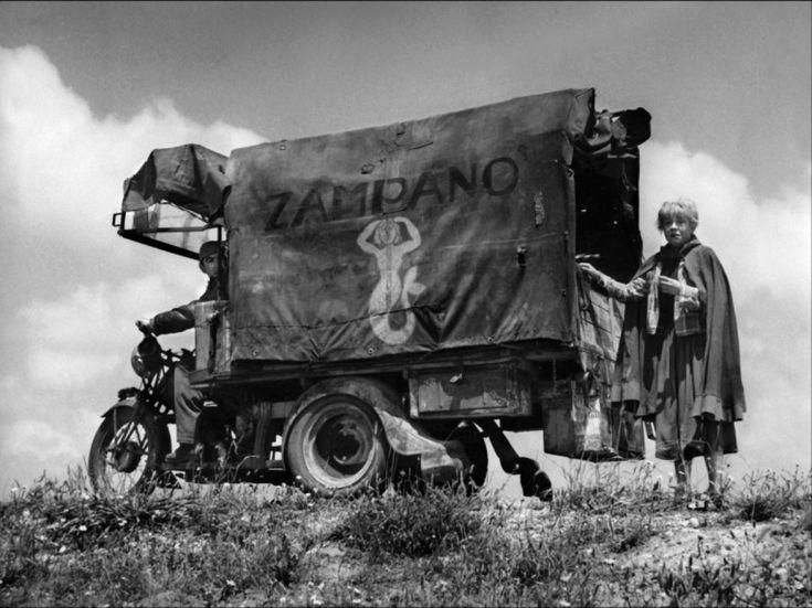 la strada images   La Strada - Anthony Quinn - Giulietta Masina Image 10 sur 33