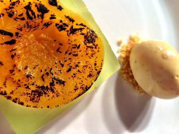 Titanic Dinner : Peaches in #chartreuse jelly