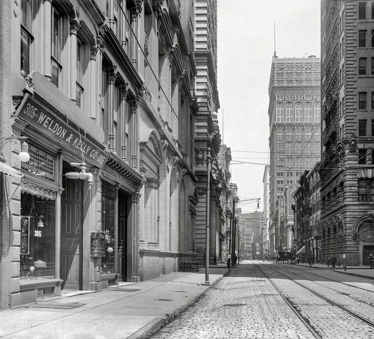"""Pittsburgh, Pennsylvania, circa 1908. """"Wood Street, looking east.""""  Shorpy Historic Picture Archive"""