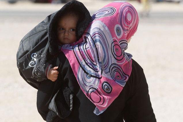 Costretti dalla guerra a lasciare le loro case, oltre mezzo milione di bambini siriani stanno trascorrendo l'inverno in balìa di pioggia, neve e gelo.    Dai loro un po' di calore! CONDIVIDI questo post, PARTECIPA alla conversazione su Twitter con #childrenofsyria e DONA su http://unicef.it/siria
