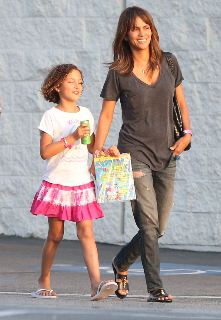 Halle Berry & Nahla: Saturday Smiles - http://site.celebritybabyscoop.com/cbs/2016/03/21/nahla-saturday-smiles #Birthday, #BirthdayParty, #HalleBerry, #NahlaAubry, #Smiles, #Sunny