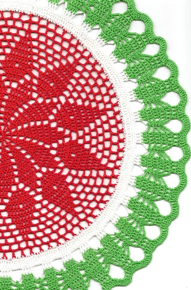 Christmas Crochet doily, lace doilies, table decoration, crocheted place mat - Folksy Handmade by Fausta