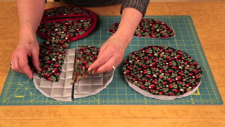 REAL POT HOLDERS! That work! With a Pattern & Video Instructions - Keeping u n Stitches Quilting | Keeping u n Stitches Quilting