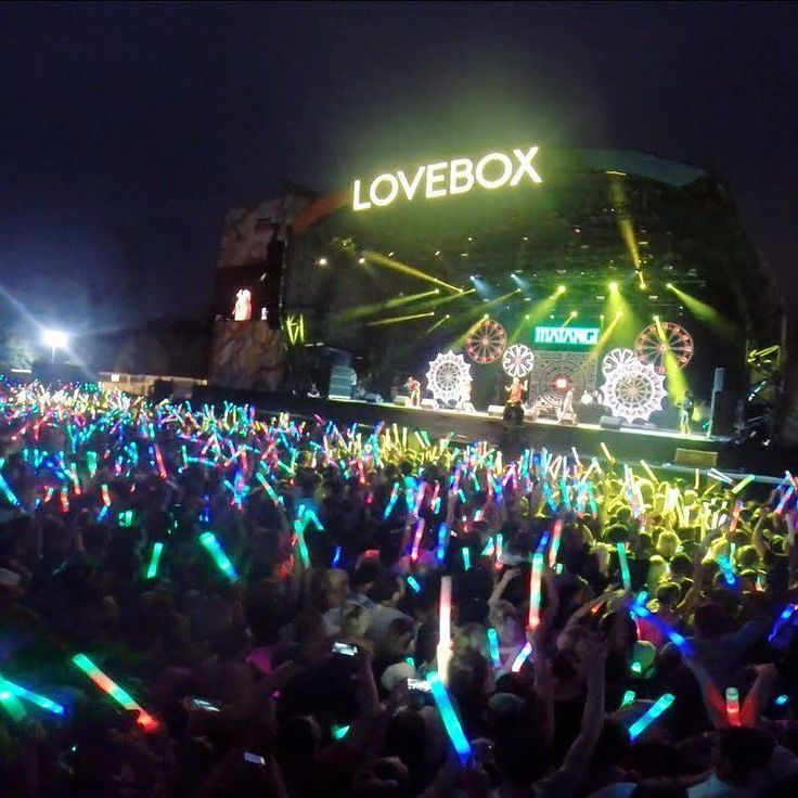 Want to be here at LOVEBOX in a weeks time with a rucksack full of Lottie London goodies to get you and a friend festival-ready?? Were giving 2 of you free tickets!! Enter through the link in bio  #lovebox #festival #giveaway #freebie #competition #win