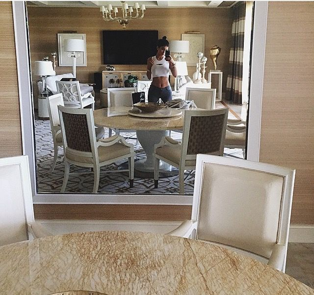 Best 25 kylie jenner room ideas on pinterest kylie for Kylie jenner room tour