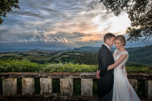 Anna Halliday & Philip Beatty at Borgo di Pignano, Volterra, against the spectacular backdrop of the Chianti countryside of Tuscany.  Wedding photography & videography by Alfonso Longobardi www.alfonsolongobardi.com & wedding planning by Enzo & Francesca at Enzo Miccio www.enzomiccio.com