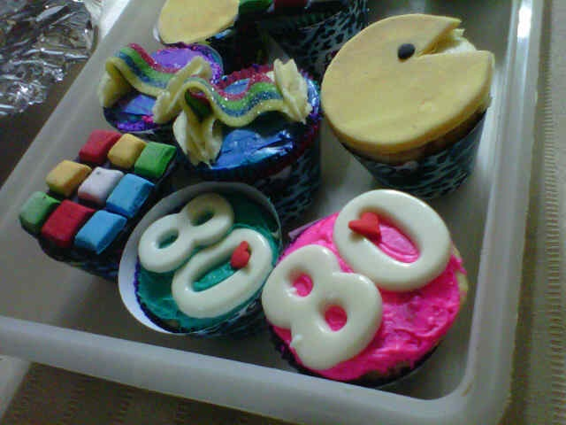 80s themed cupcakes