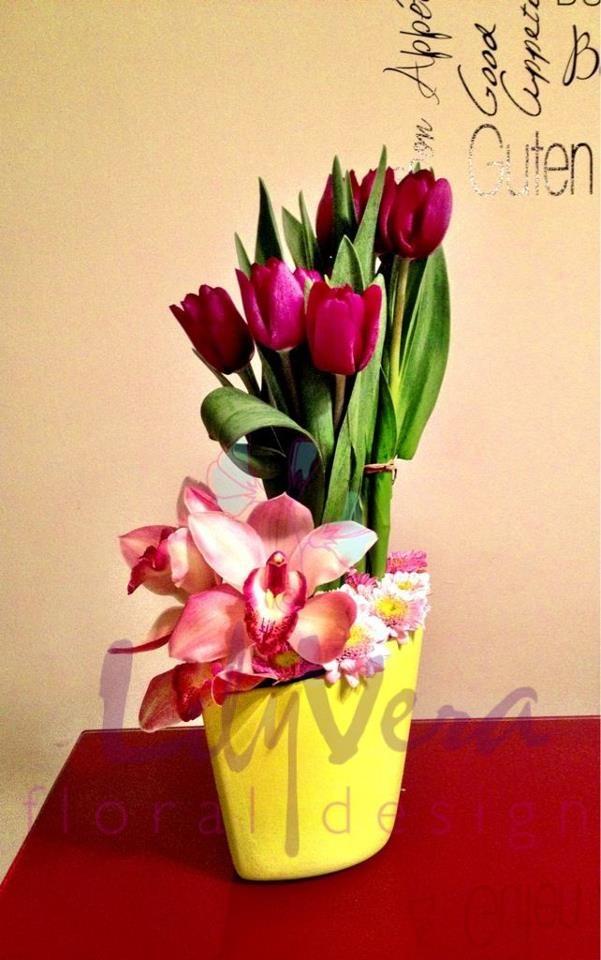 orquideas y tulipanes