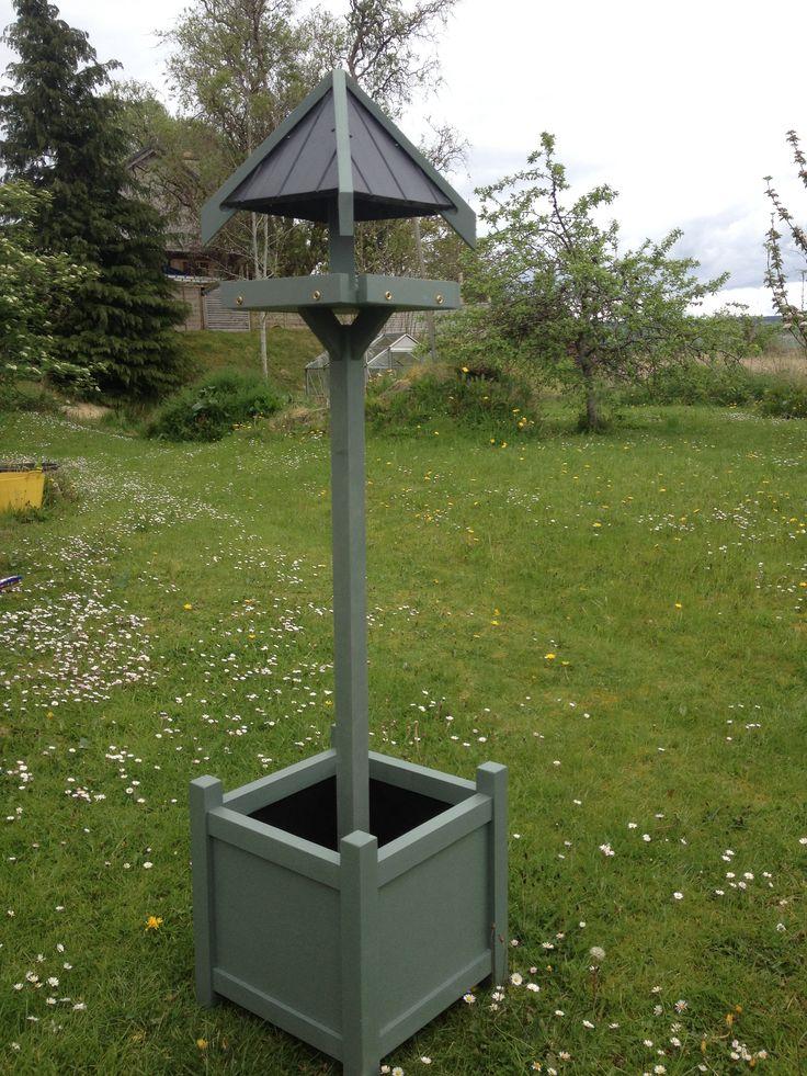 Contemporary bird table/planter