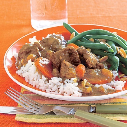 Lamb stew from the Hunger Games...kinda wanna try it just cuz there is a recipe :P yummy-foods