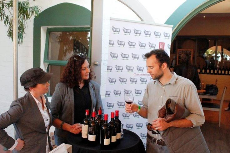 Ilse-Marie and Kim chatting to guests at the Cabernet Franc Carnival.