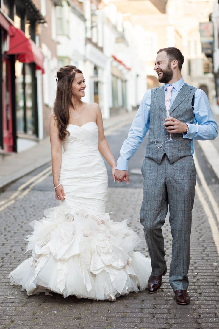 bride and groom in Rye, Wedding photos on cobbled street, Ian Stuart Bride, Ian Stuart Wedding dress, The George in Rye, Wedding in Rye, natural wedding photos, editorial wedding photos, Jack Bunneys groom